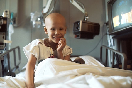 Child cancer, can acupuncture treat cancer. Source: National Cancer Institute via Unsplash.